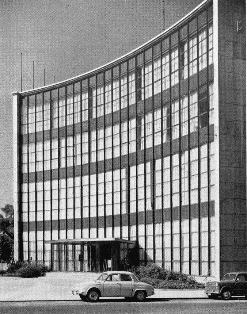 """Résultat de recherche d'images pour """"Maison de la Culture de Namur en 1964 photos"""""""